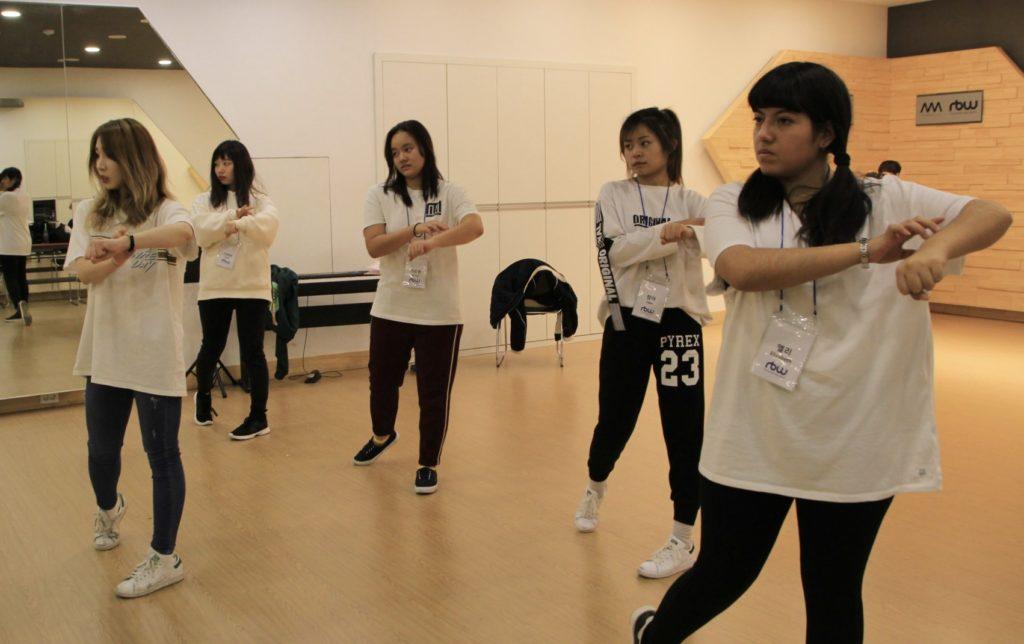 KPOPアイドルの練習生